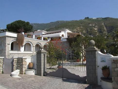 Villa Tara Serrara Fontana
