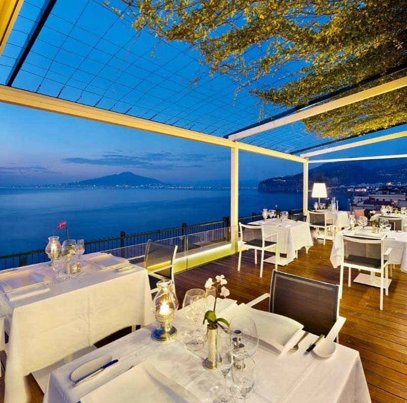 Sorrento coast hotels and resorts information and travel for Terrazza vittoria sorrento