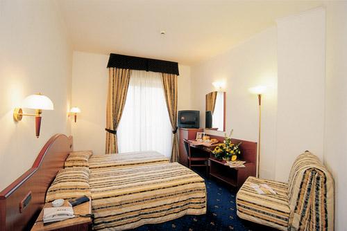 Hotel Serius Napoli Fuorigrotta