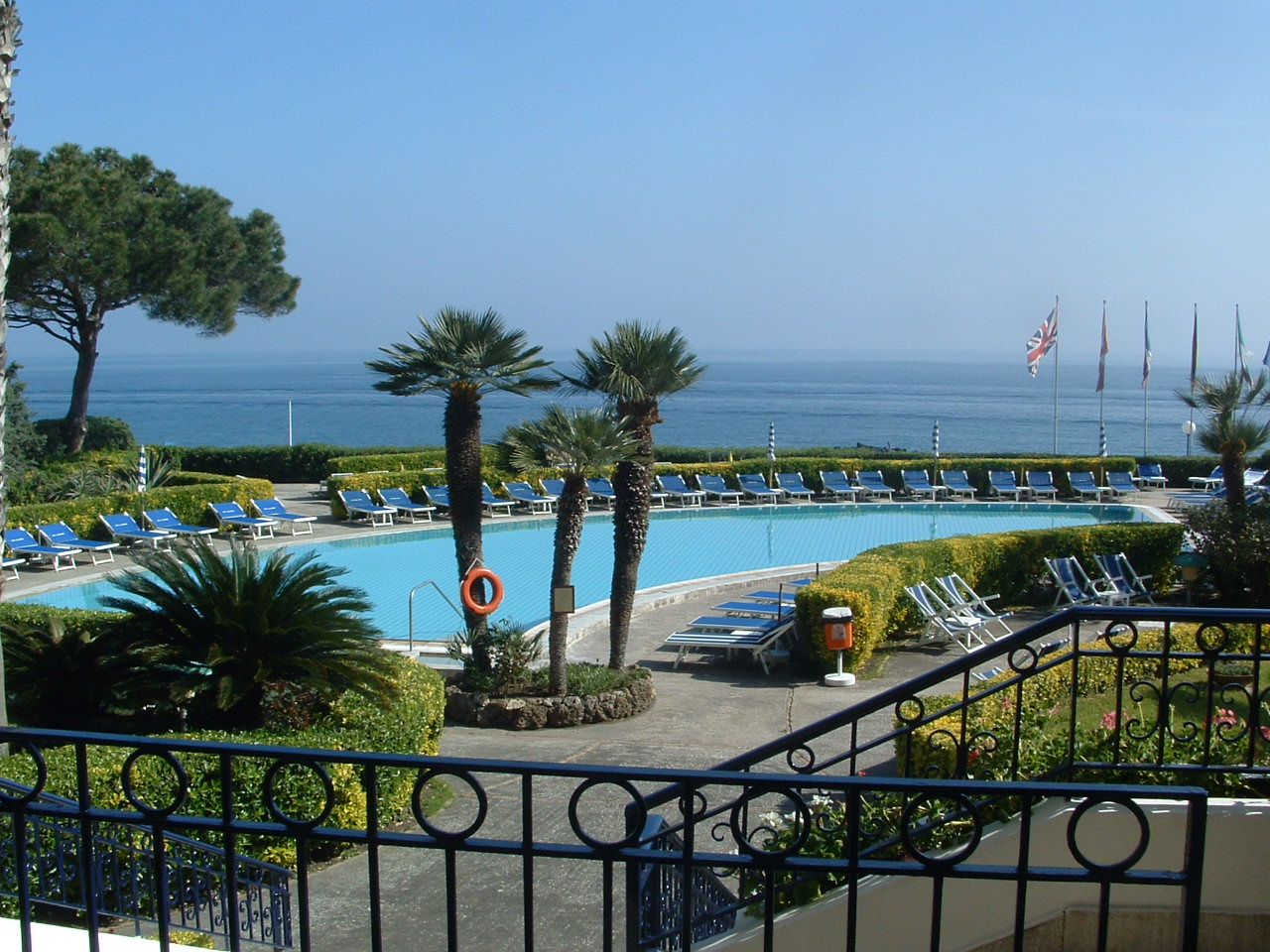 Hotel terme alexander ischia for Finestra termale
